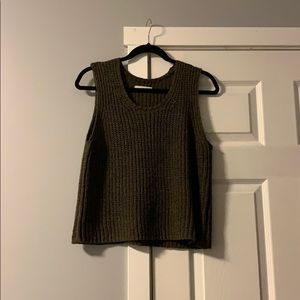 Oak and Fort knit olive green top